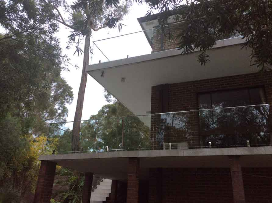 Frameless-Glass-Balustrade-North-Rocks-Sydney