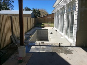 frameless-pool-fencing-gate-kiama-sm