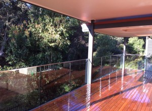 castle-hill- frameless-glass-balustrade