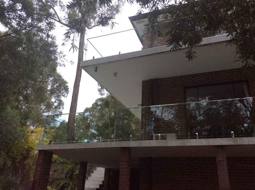 Frameless-Glass-Balustrade-North-Rocks-Sydney