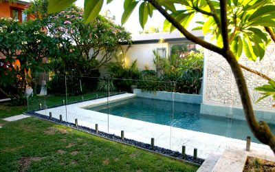 How to clean Frameless glass pool fences and Frameless Glass Balustrades
